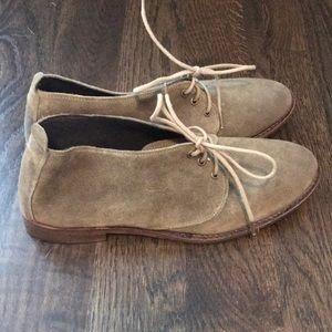 Light green shoe